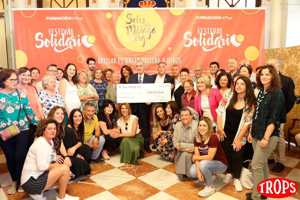 Foto de familia de las ONGs beneficiarias